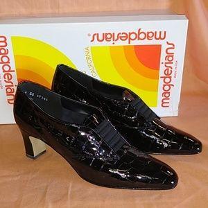 California Magdesians Heels - size 7 SS